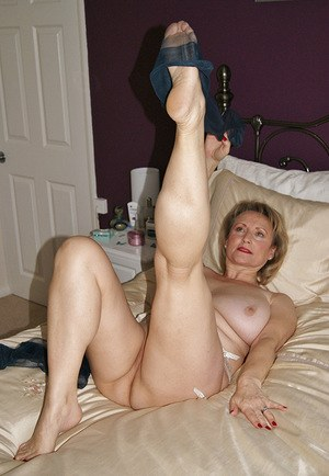 Older mature sexy feet — pic 9