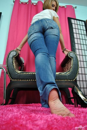 Feet and Jeans Pics